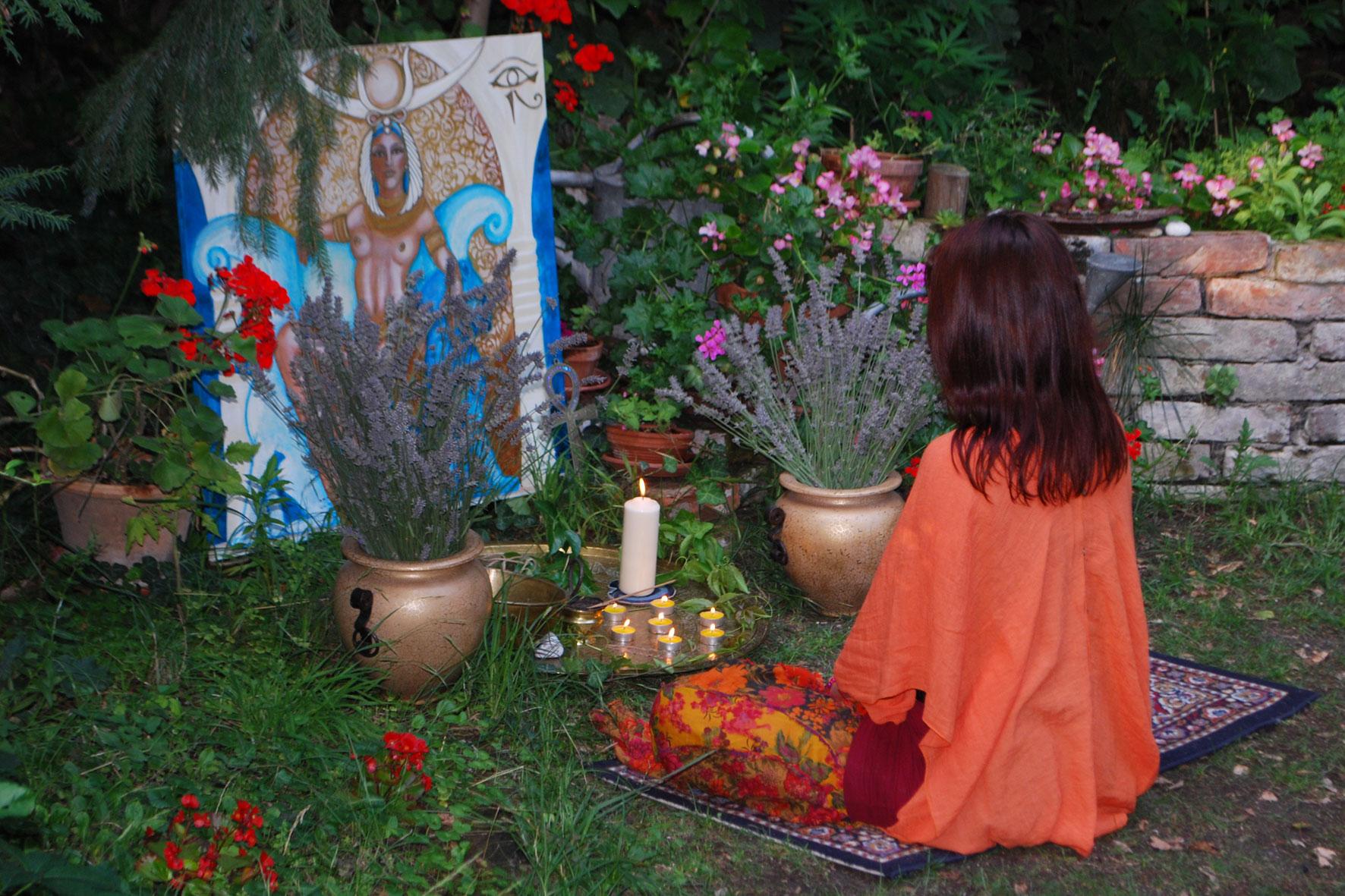 altar-goettin-des-sieges